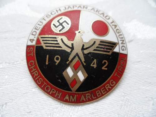 is this  a fake  or a real badge ?