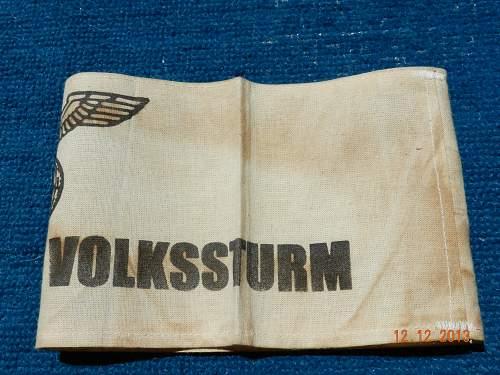 White Deutscher Volksstrum arm band help
