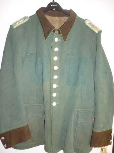Schutpolizei tunic question