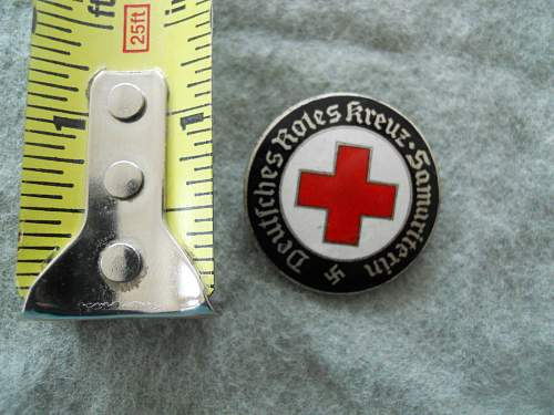 New addition - DRK Samariterin badge