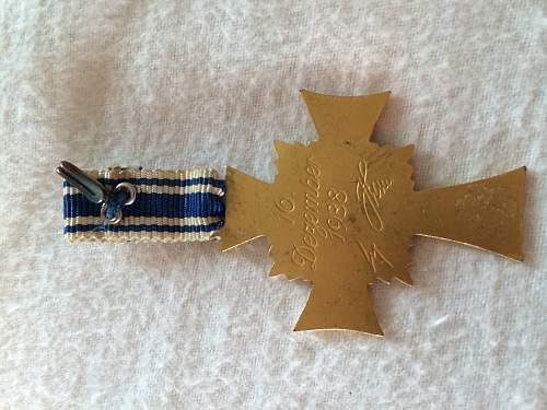 Ehrenkreuz der Deutschen Mutter in gold