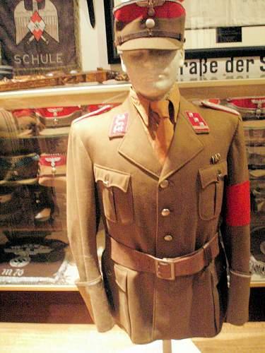 Reichsautozug uniform