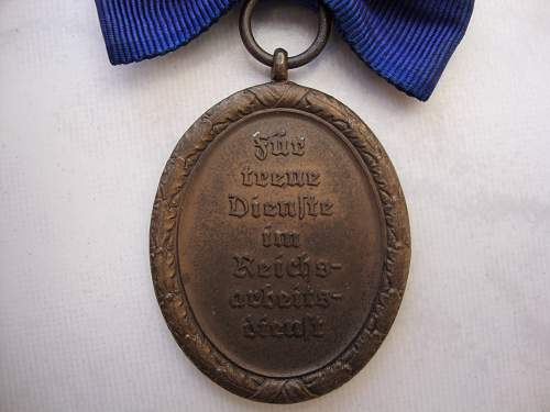 Click image for larger version.  Name:medals 012.jpg Views:103 Size:236.7 KB ID:75226