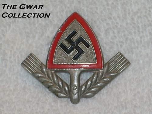 Click image for larger version.  Name:Rad cap badges 016.jpg Views:92 Size:212.8 KB ID:765377