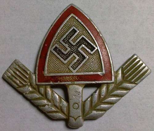 Click image for larger version.  Name:38) RAD Men's Cap Badge.jpg Views:68 Size:66.7 KB ID:765672