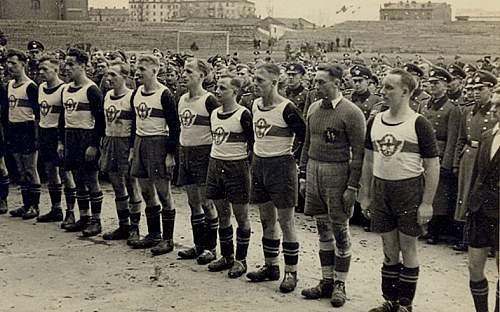Click image for larger version.  Name:maglietta%20calcio%20WAFFEN%20SS.jpg Views:49 Size:138.1 KB ID:76574