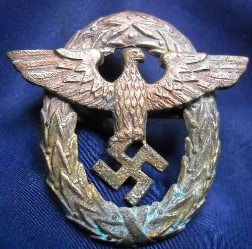 Unknown German cap eagle
