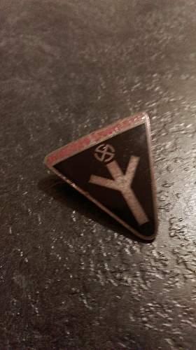 Female badge: Can you help me?