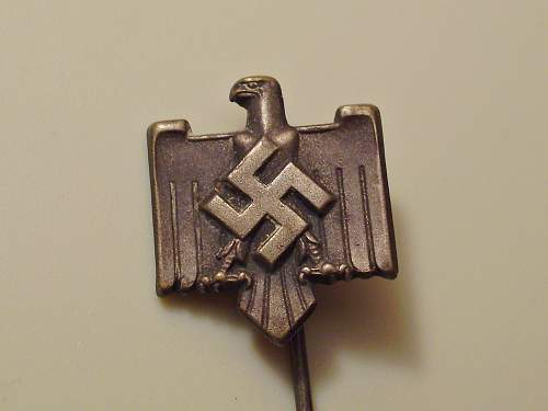 1941 (party? Heer?) cap pin ID