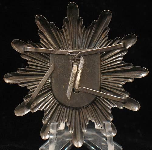 Westfalen Tschako Emblem?