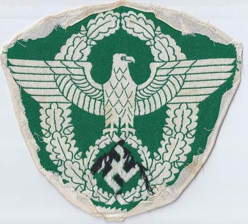 Click image for larger version.  Name:Police 2nd pattern green odd beak back  (800x721).jpg Views:9 Size:224.3 KB ID:811119