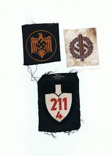 Click image for larger version.  Name:cloth insignia.jpg Views:62 Size:33.1 KB ID:82157