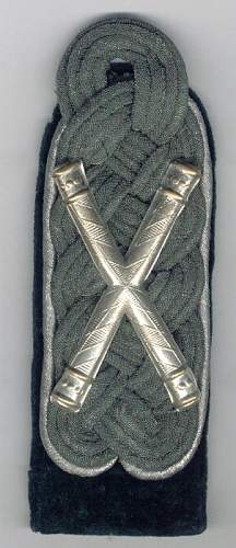 Click image for larger version.  Name:State Forestry Crossed Batons Shoulder Board resize.jpg Views:64 Size:65.1 KB ID:83952