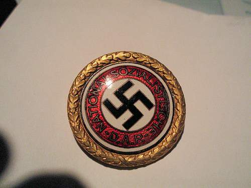 Click image for larger version.  Name:kunstmann gold party badge 001.jpg Views:283 Size:98.8 KB ID:8629