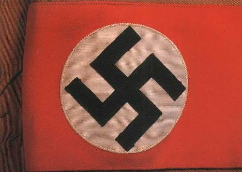Click image for larger version.  Name:hitler's-tunic-cuffband.jpg Views:570 Size:42.6 KB ID:9387