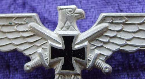 Is this a Visor Cap pin, or Tunic Breast Eagle???