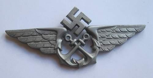 Seenotdienst cap badge