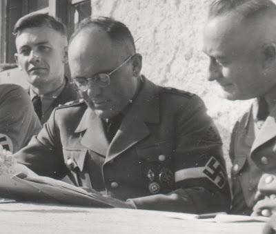 Name:  HJ-Gebietsführer Emil Klein coburg badge Golden Hitlerjugend Honour Badge.jpg Views: 140 Size:  24.5 KB