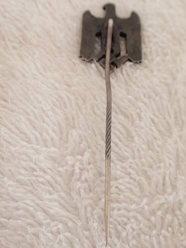 Click image for larger version.  Name:Stickpin  Eagle- Swastika metallic 1_2.jpg Views:7 Size:90.3 KB ID:964547