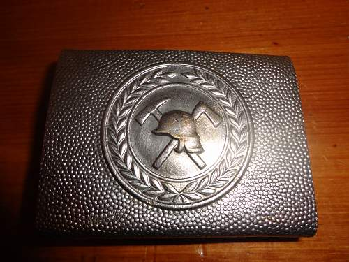 Fire Fighters Belt Buckle, need help with age