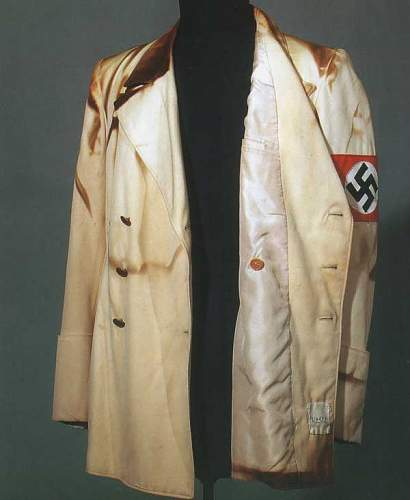 Click image for larger version.  Name:hitler-tunic-dbreasted-.jpg Views:505 Size:26.8 KB ID:9685