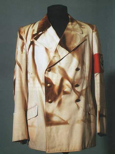 Click image for larger version.  Name:hitler-tunic-dbreasted-1.jpg Views:1074 Size:27.6 KB ID:9686