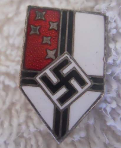 Click image for larger version.  Name:Colonial Union Enameled Membership Stick Pin_0.JPG Views:40 Size:33.1 KB ID:970483
