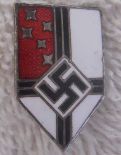 Click image for larger version.  Name:Colonial Union Enameled Membership Stick Pin_1.JPG Views:21 Size:31.7 KB ID:970484