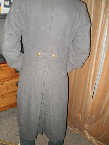 Possible German officers coat? Need some help Identifying this
