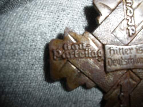 Hitler badge / tinnie?  Help!!!