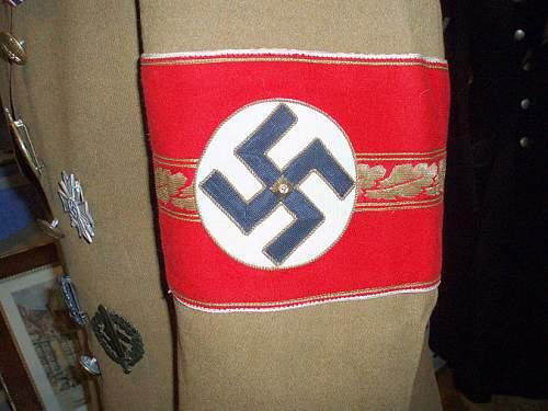 4th Reich Kreisleiter Level armband?