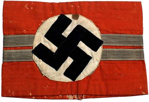 Peculiar Unidentified NSDAP Kampfbinde Double gold bands