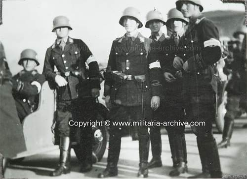 Click image for larger version.  Name:uniform-research-closeup00015.JPG Views:24 Size:134.5 KB ID:895000