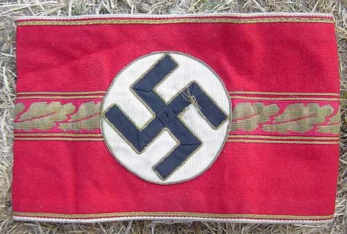 Click image for larger version.  Name:NSDAP Armband 001.jpg Views:43 Size:256.5 KB ID:92382