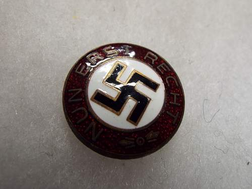 party badge real or fake help needed please