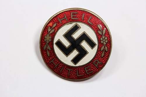 Click image for larger version.  Name:Hitler badge.jpg Views:22 Size:46.8 KB ID:1037521