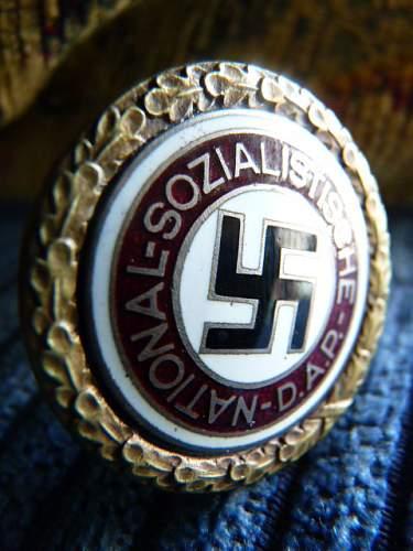 N .S.D.A.P. badges