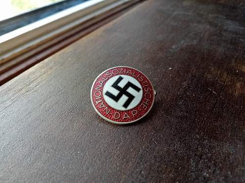 NSDAP M1/6 - Is this a genuine?