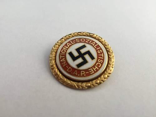 Fake Hitler presentation Goldenes Parteiabzeichen