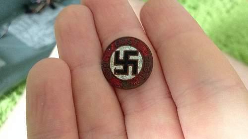 Nun Erst Recht badge, semi-relic condition