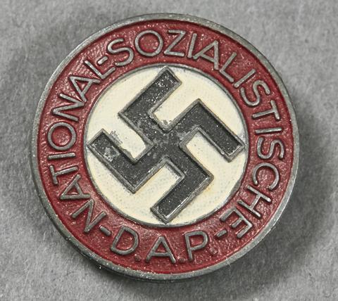 Is this NSDAP Mitgliedsabzeichen original?