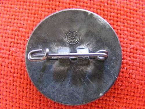NSDAP Membership Badge RZM M1/17