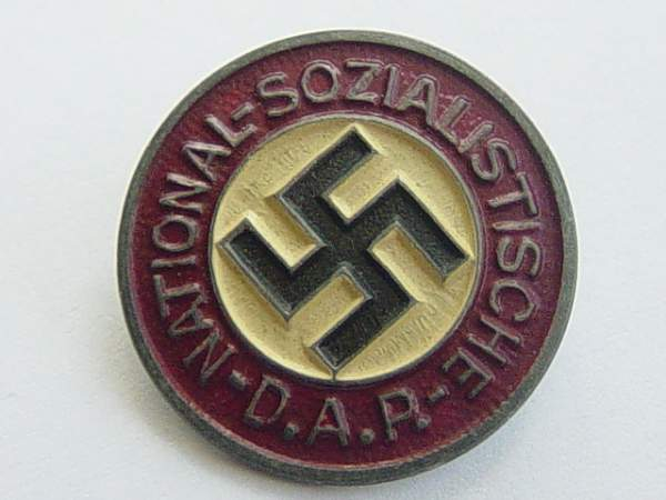 Click image for larger version.  Name:NSDAP membership badge 003.jpg Views:2009 Size:152.3 KB ID:19355