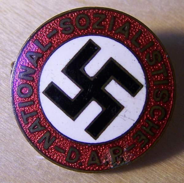 Click image for larger version.  Name:NSDAP party badge 1a.jpg Views:80 Size:136.0 KB ID:21290