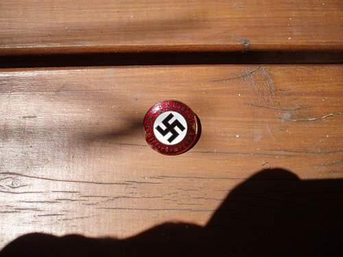NSDAP-Hitlerbewegung party badge
