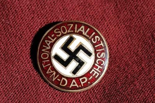 Click image for larger version.  Name:NSDAP pins 088.jpg Views:132 Size:277.4 KB ID:319072