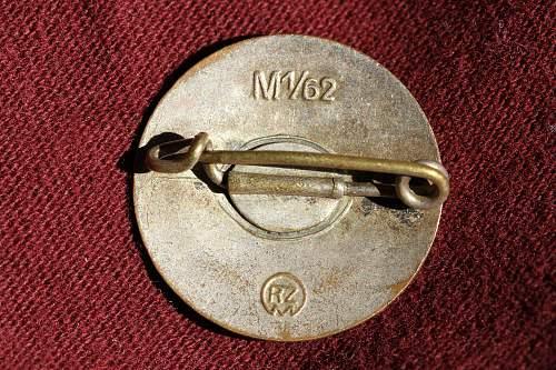Parteiabzeichen M1/62 Gustav Hahl