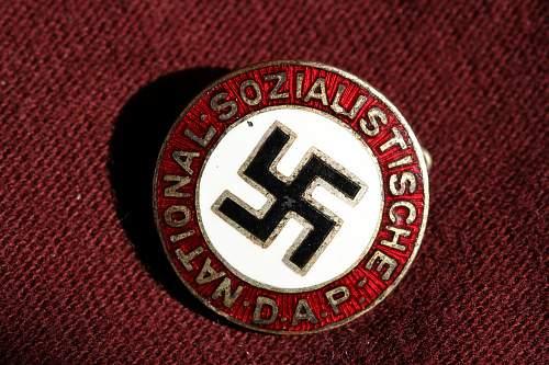 Click image for larger version.  Name:NSDAP pins 102.jpg Views:292 Size:267.9 KB ID:324383