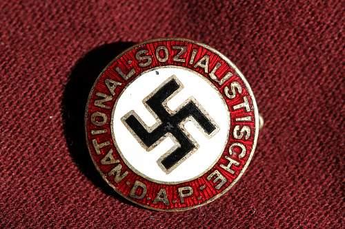 Click image for larger version.  Name:NSDAP pins 098.jpg Views:218 Size:270.5 KB ID:324385