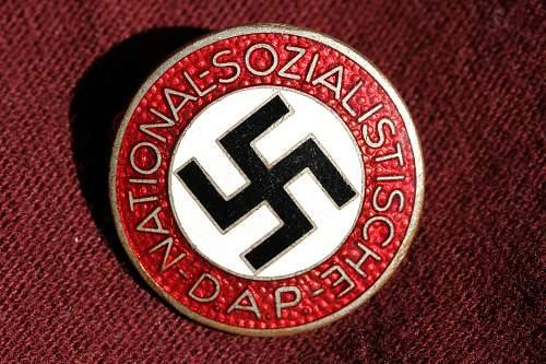 Click image for larger version.  Name:NSDAP pins 116.jpg Views:292 Size:271.8 KB ID:324403